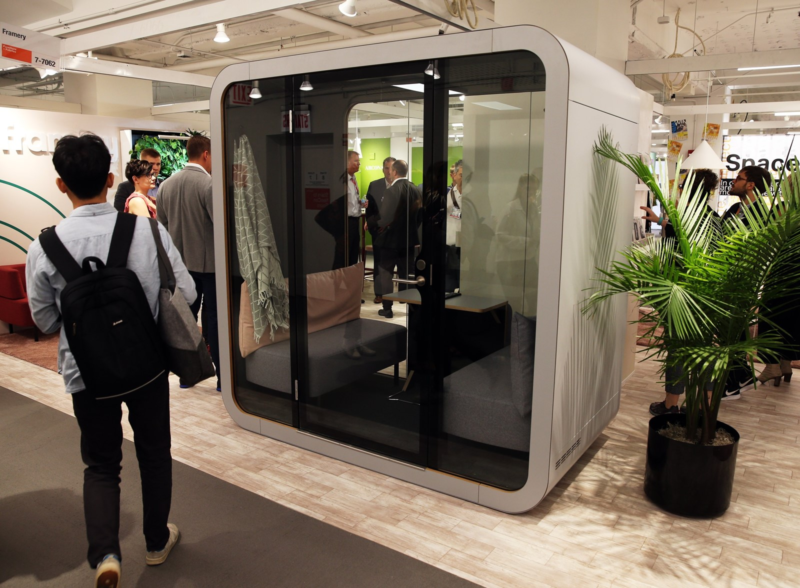 Office sleeping pod Personal Work Framery An 8yearold Finnish Company Introduced Its Napq An Office Sleeping Pod At Trade Show In Chicago Last Month photographs Byterrence Antonio Sellmytees Print Employers Wake Up To Pluses Of Office Naps Office Naps Losing
