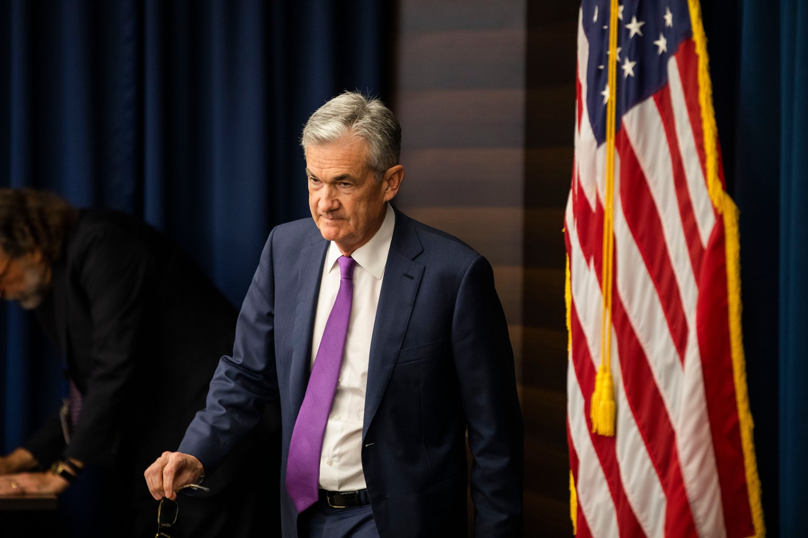 Print Fed hikes key interest rate again Noting a 'good moment' for