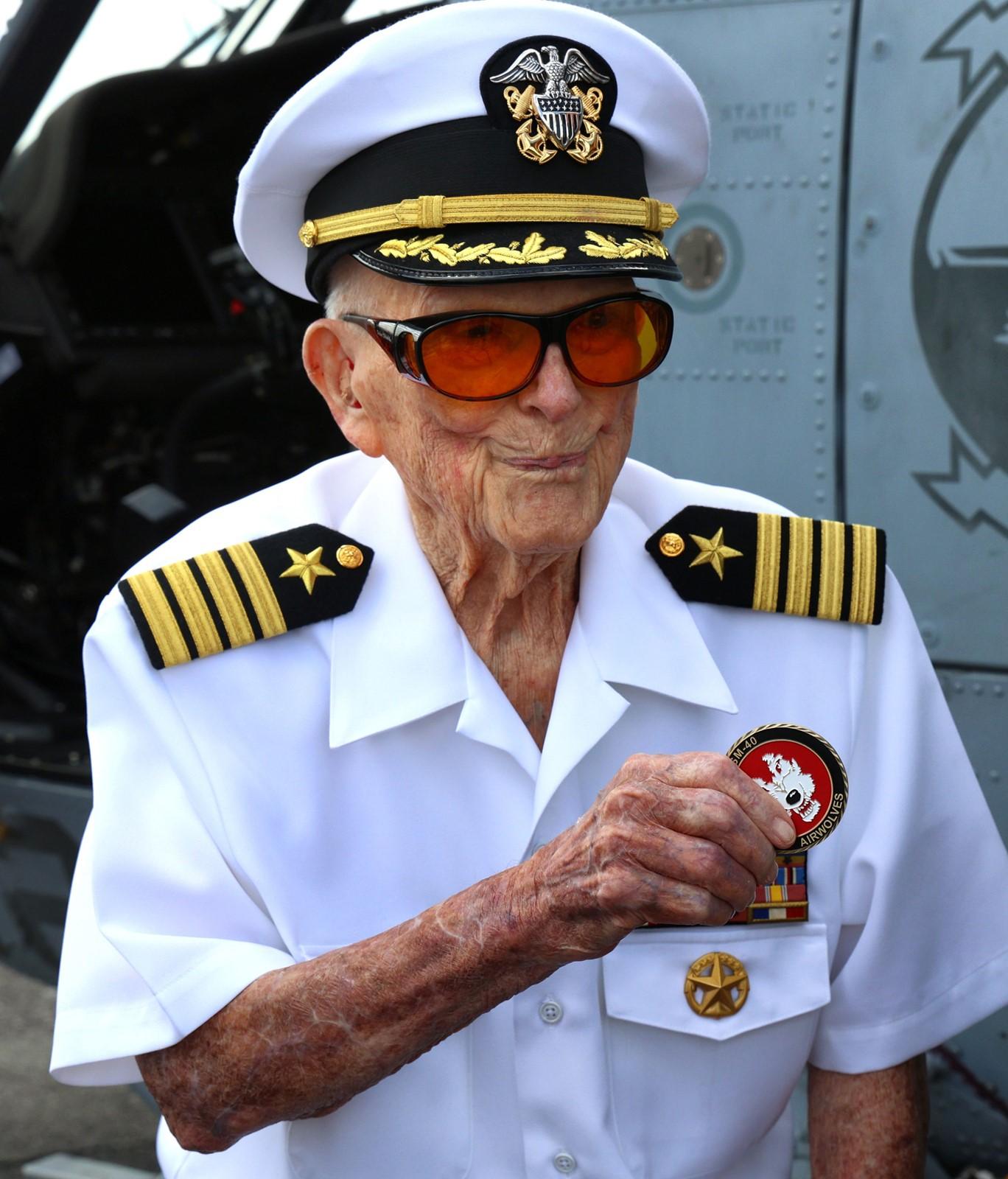 OS_IC_1016691691_1016719679_004-0815_-oldest-ww2-veteran-dies_7.jpg